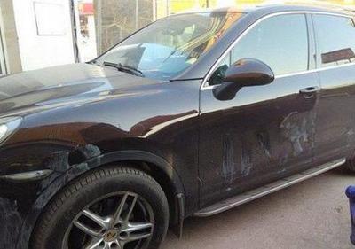 被涂上漆的汽车